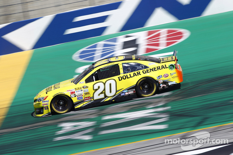 Matt Kenseth inks new deal with JGR and Dollar General