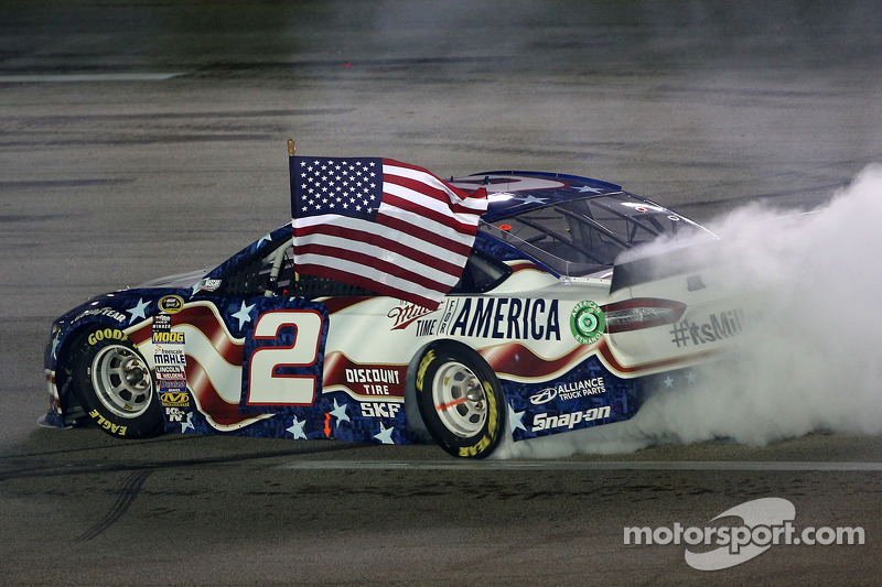 Keselowski takes dominating win at Kentucky