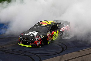 Jeff Gordon wins at Michigan after late-race duel with Logano