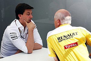 Renault 'not interested' in going back to V8 - Wolff