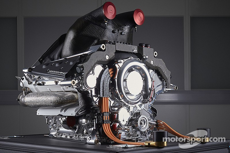 Mercedes aclara su estrategia para motor