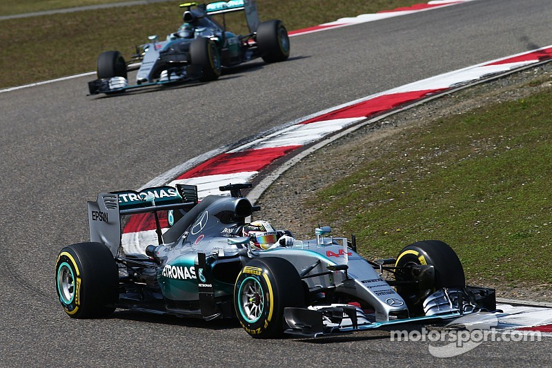 Rosberg says Hamilton's driving now