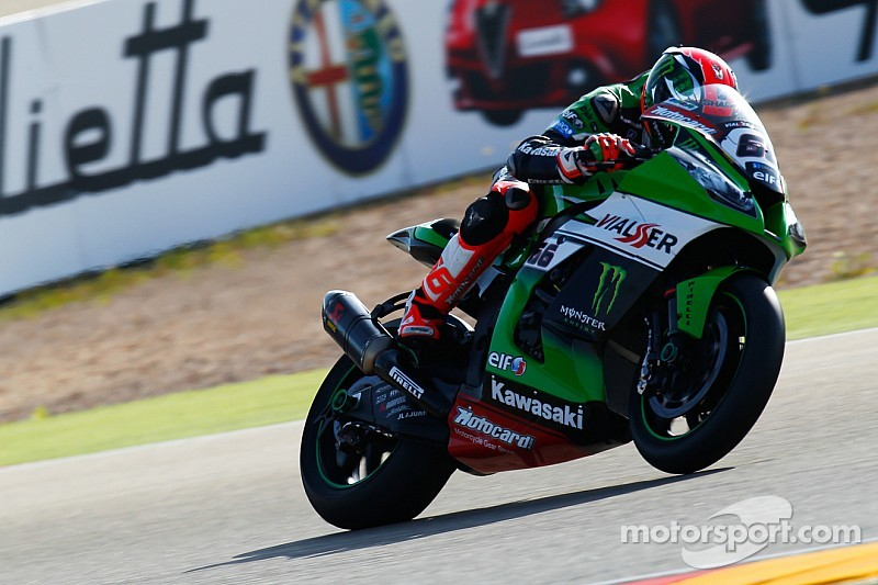 Sykes in control despite close times at Donington