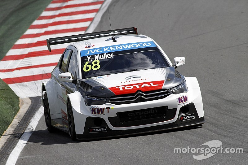 Muller beats Lopez to pole in Slovakia
