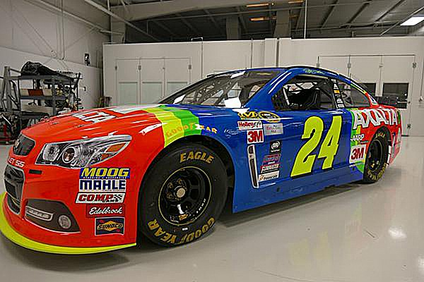 The rainbow returns to Jeff Gordon's No. 24
