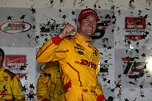 IndyCar Race report Hunter-Reay prevails in wild 300-lapper at Iowa