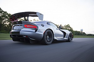 Automotive Testing report 2016 Dodge Viper ACR: The fastest street-legal car you can buy. Maybe.