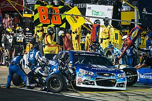 NASCAR Sprint Cup Breaking news Despite Dover troubles, Earnhardt wants to keep his pit crew intact