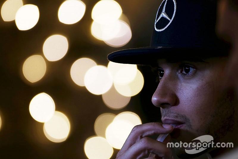 Hamilton herstelt van auto-ongeluk