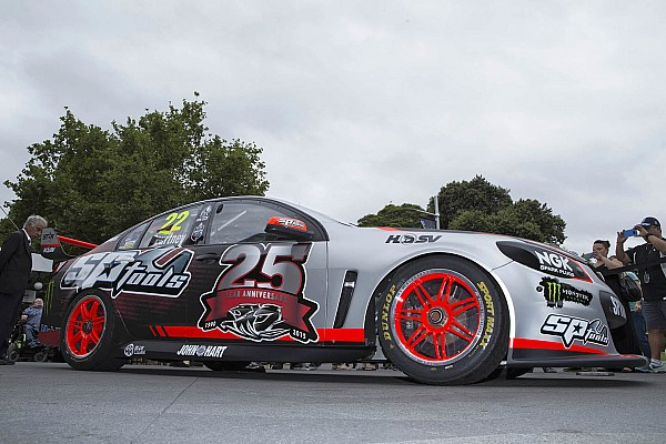 V8 Supercars Fresh art for HRT Commodores in Sydney