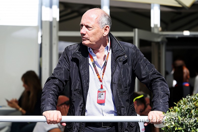 丹尼斯:我担起责任决定本田不为红牛提供引擎
