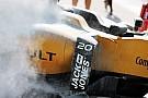 Fórmula 1 Vazamento no carro de Magnussen provoca fogo durante TL1