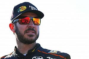 NASCAR Sprint Cup Reporte de prácticas Truex logra el mejor tiempo en la práctica del sábado en Phoenix