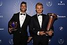 Ricciardo: Rosberg birisine Noel hediyesi vermiş oldu
