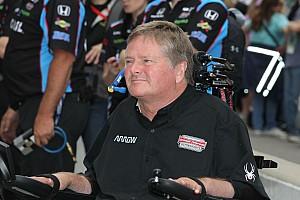 IndyCar Noticias de última hora Schmidt competirá en  carrera de campeones de  iRacing
