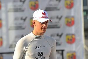Livefeed Noticias de última hora Mick Schumacher festeja Navidad con equipo Prema