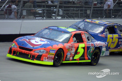 Race action: Terry Labonte and Bobby Hamilton