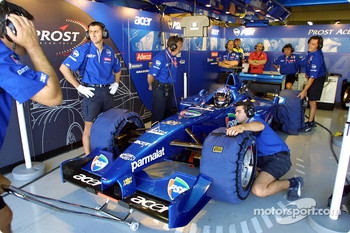 Team Prost pit