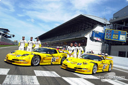 Corvette Racing and the C5-R: Ron Fellows, Johnny O'Connell, Scott Pruett, Franck Freon, Andy Pilgrim and Kelly Collins