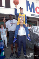 Nick Heidfeld and Peter Sauber with a special guest: basketball legend Shaquille O'Neal
