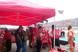 Getting ready for the race at Evernham/Elliott Motorsports