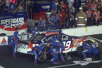 Jeff Burton pits for service