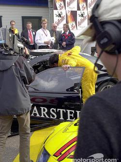 Christian Abt congratulating Uwe Alzen