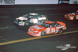 Dale Earnhardt Jr. battling with Hut Stricklin
