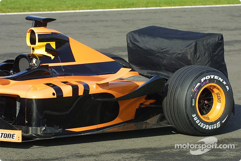 The Arrows on the track