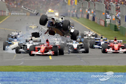 The first corner accident between Rubens Barrichello and Ralf Schumacher