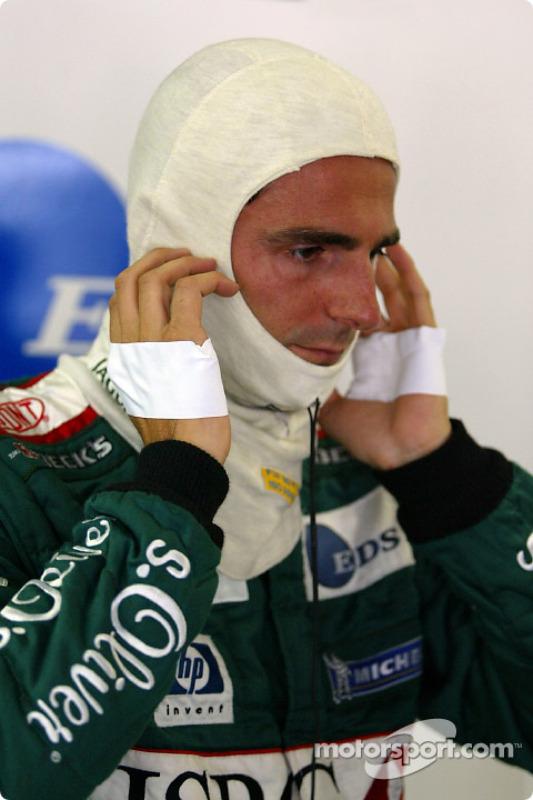 Pedro de la Rosa getting ready for the race