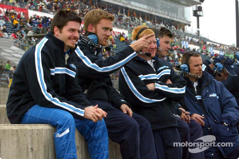 Patrick Carpentier and Team Player's crew members