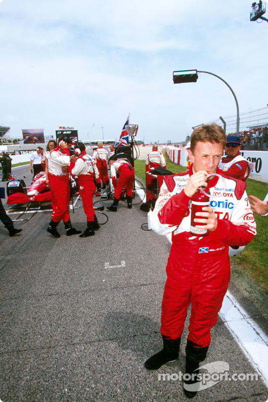 Allan McNish on the grid