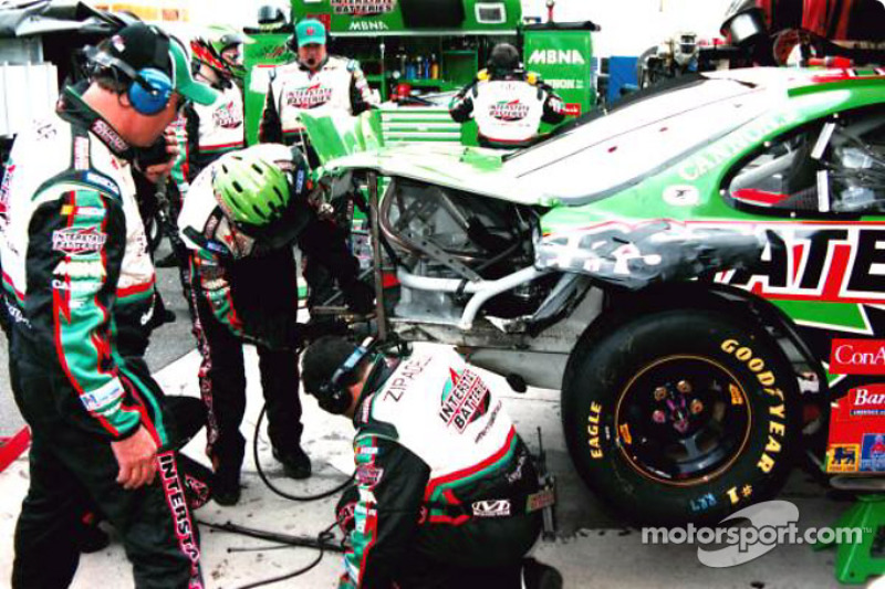 Working on Bobby Labonte's car