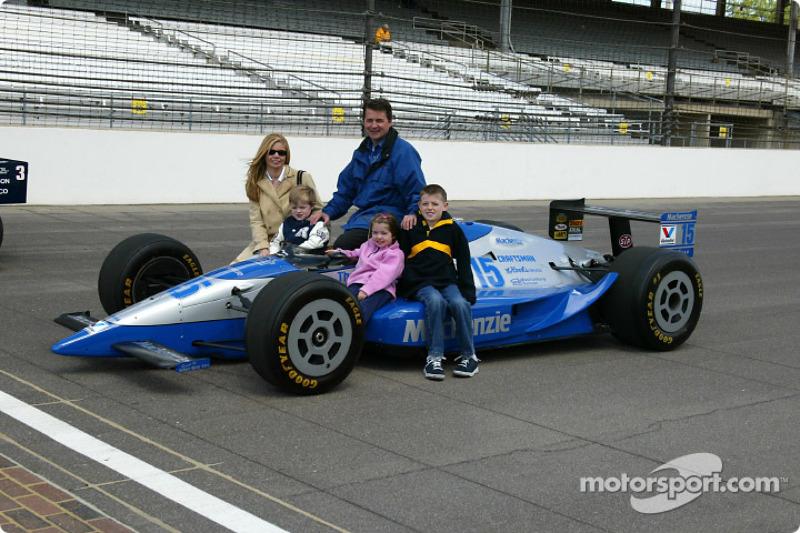 Al Unser Jr. and Scott Goodyear who were involved in the closest finish ever at the Indy 500 in 1995
