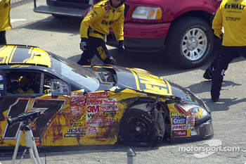 Matt Kenseth has a wheel problem