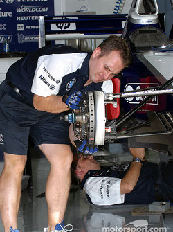 Williams-BMW garage area