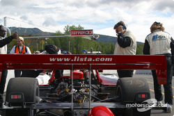 Doran Lista Racing crew has problem starting the Judd engine