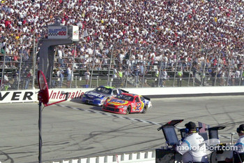 Ricky Craven and Jimmie Johnson go head-to-head for the white flag