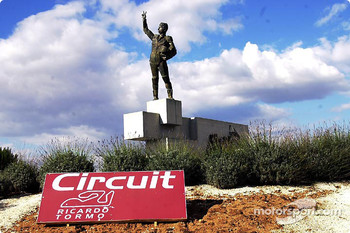 Circuit entrance
