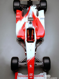 The new 2003 Toyota Racing TF103: studio shoot