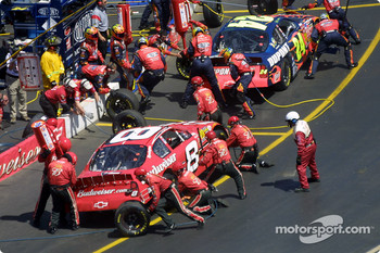 Pitstop for Dale Earnhardt Jr. and Jeff Gordon