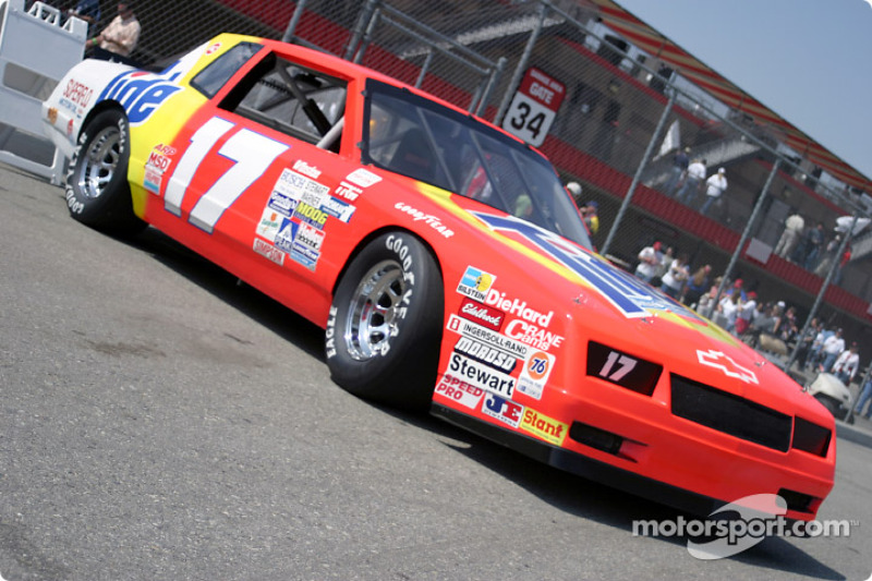 Old nascar cars exhibition at fontana for What motor does nascar use