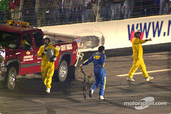 Jeff Green safely out of the car