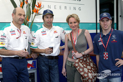 Peter Sauber, Heinz-Harald Frentzen, singer Patricia Kaas and Nick Heidfeld