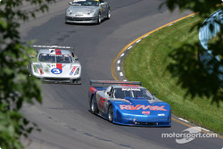 #05 Team Re/Max Corvette: Rick Carelli, Davy Liniger, John Metcalf, and #3 Cegwa Sport-Toyota Fabcar: Darius Grala, Guy Cosmo, RJ Valentine
