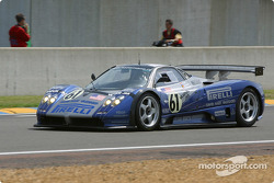 #61 Carsport America Pagani Zonda: Mike Hezemans, Anthony Kumpen, David Hart heads to the starting grid