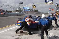 #33 Paul Menard-spilled fuel-no fire