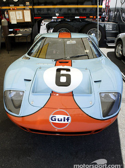 #6 1968 Ford GT-40 stays in the shade