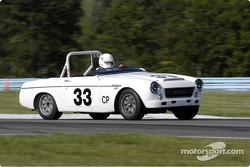 #33 1967 Datsun SRL-311